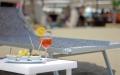 Aperitivo servito in spiaggia a Lignano
