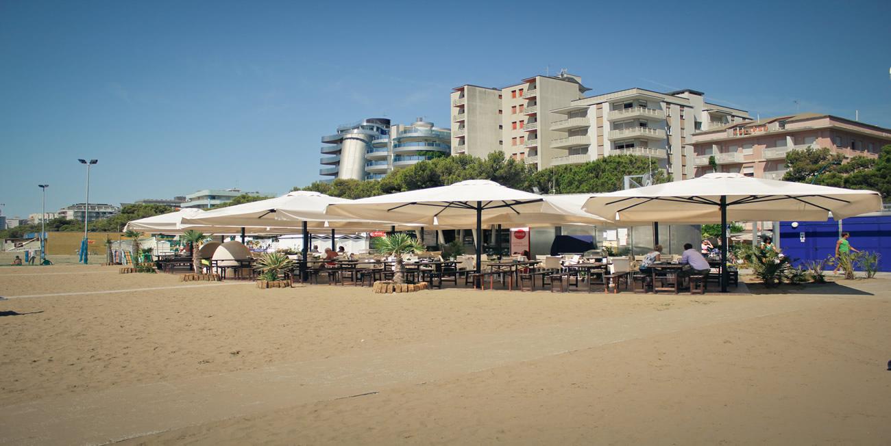Noleggio Sdraio E Ombrelloni Normativa.Spiaggia Ausonia A Lignano Sabbiadoro Ufficio N9